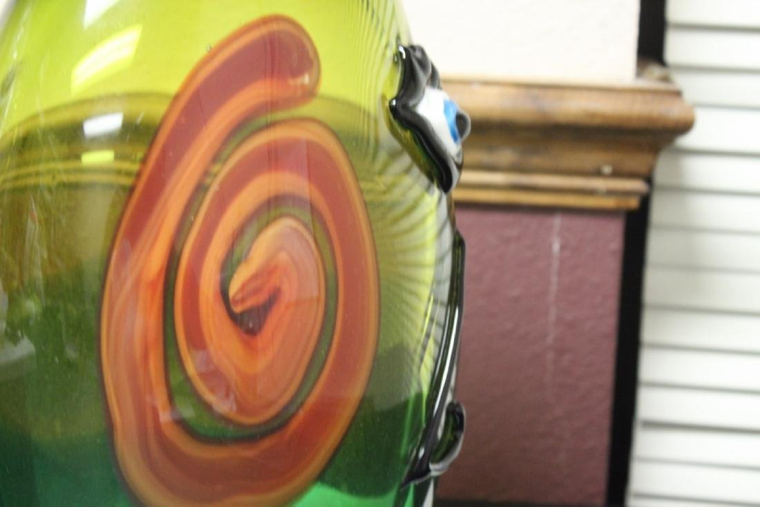 A Picasso Style Art Glass Vase - 10