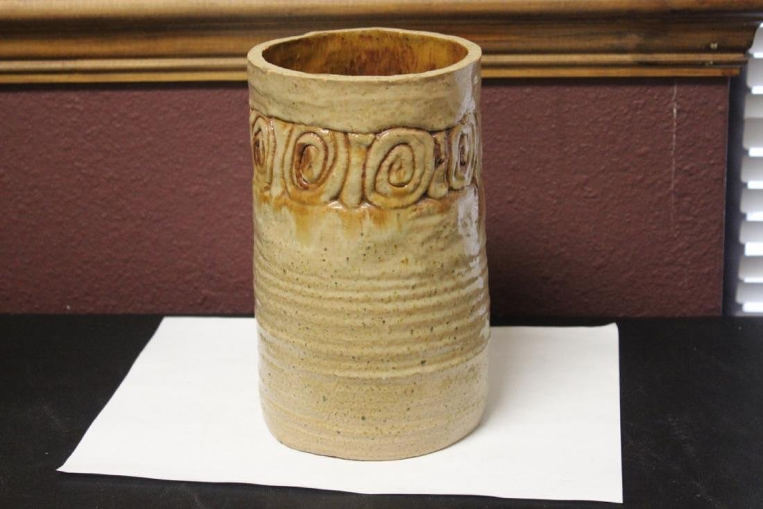 A Clay Cylinder Vase