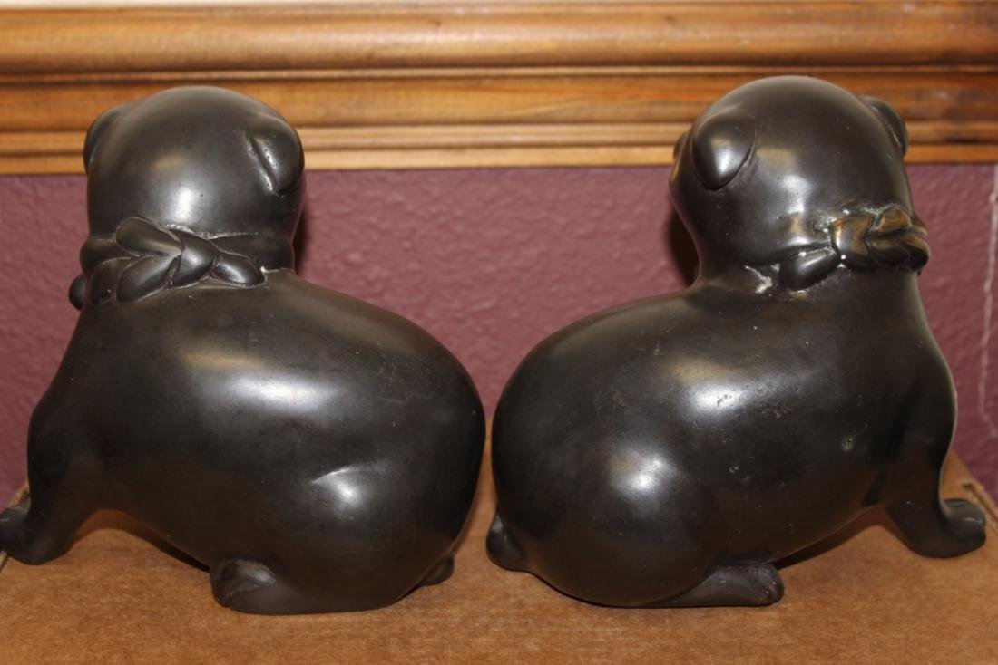 A Pair of Japanese Vintage Bronze Puppies - 3