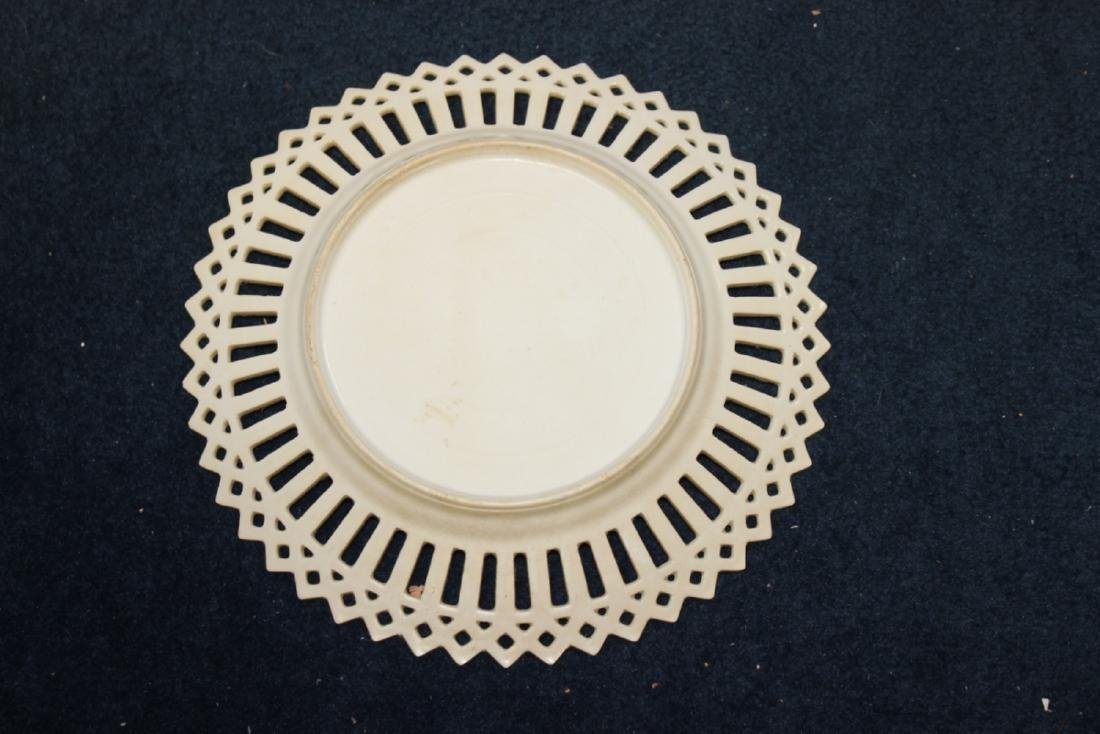 A Decorative Reticulated Plate - Unmarked - 10