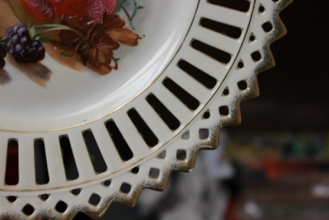 A Decorative Reticulated Plate - Unmarked - 5