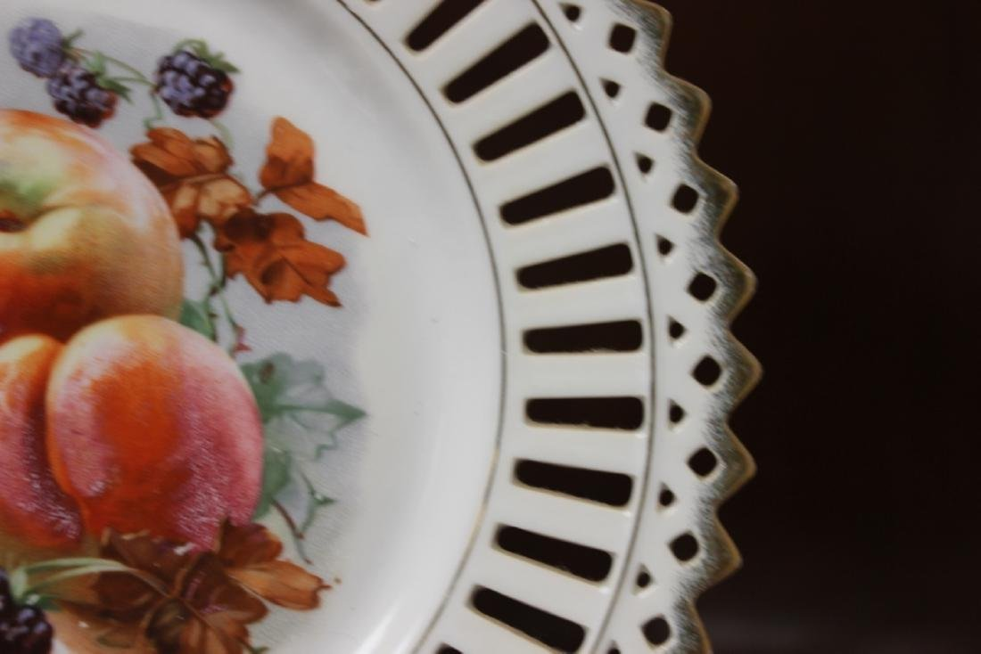 A Decorative Reticulated Plate - Unmarked - 7