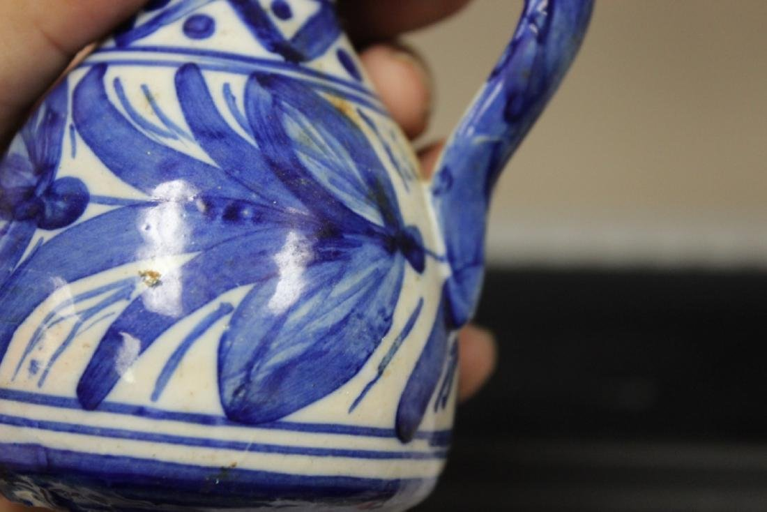A Toledo (?) Blue and White Pottery Ewer - 7