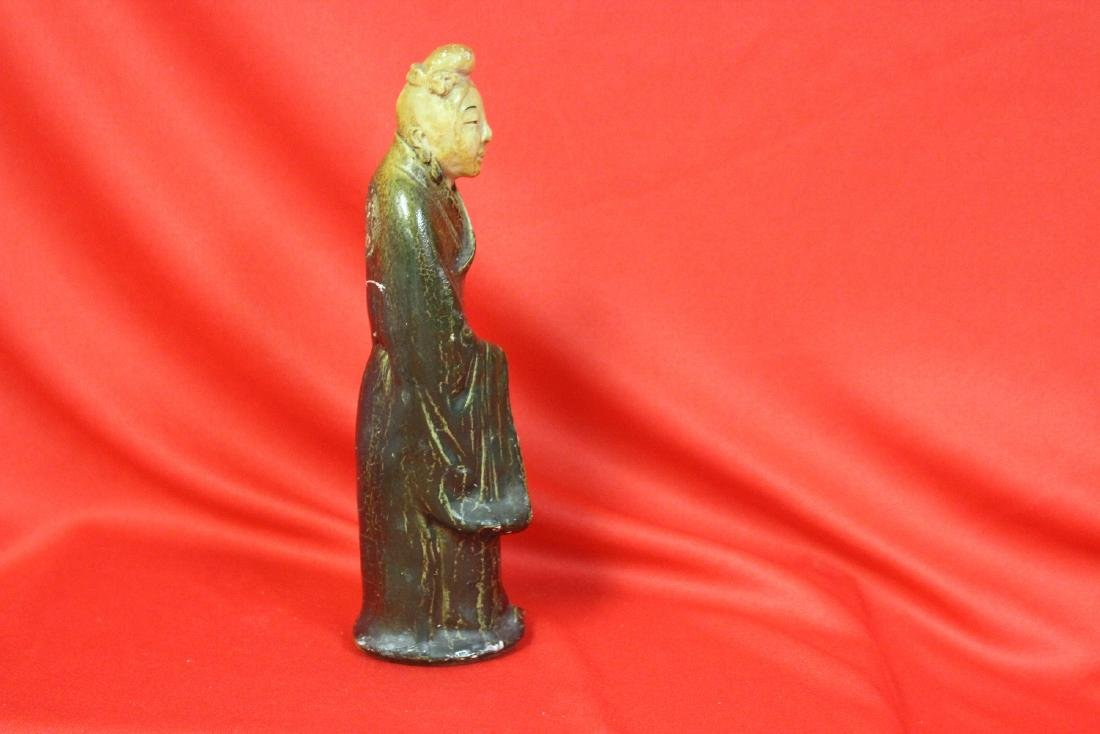 An Old Ceramic Chinese Figurine - 2