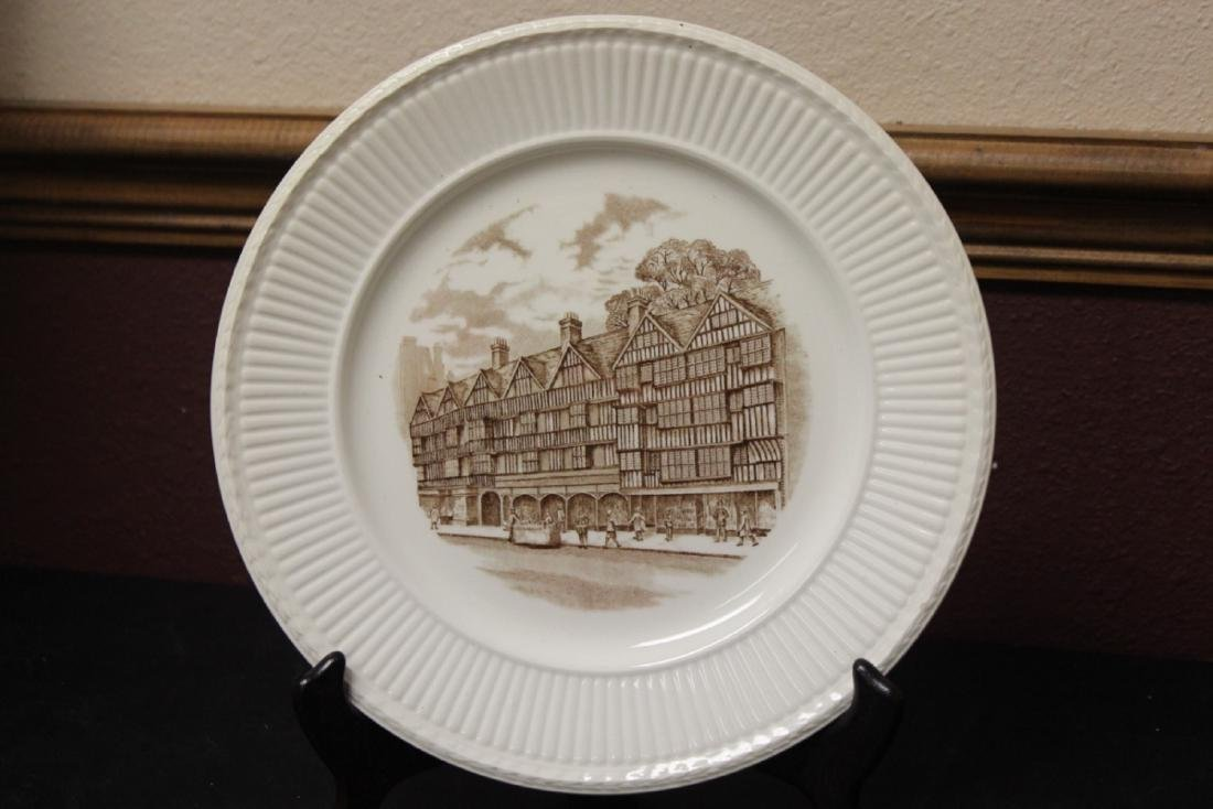 A Wedgwood Old London Views Collectors Plate