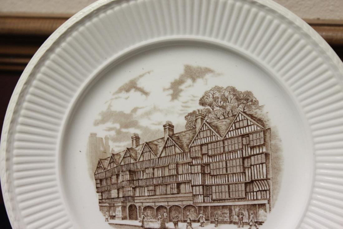 A Wedgwood Old London Views Collectors Plate - 2