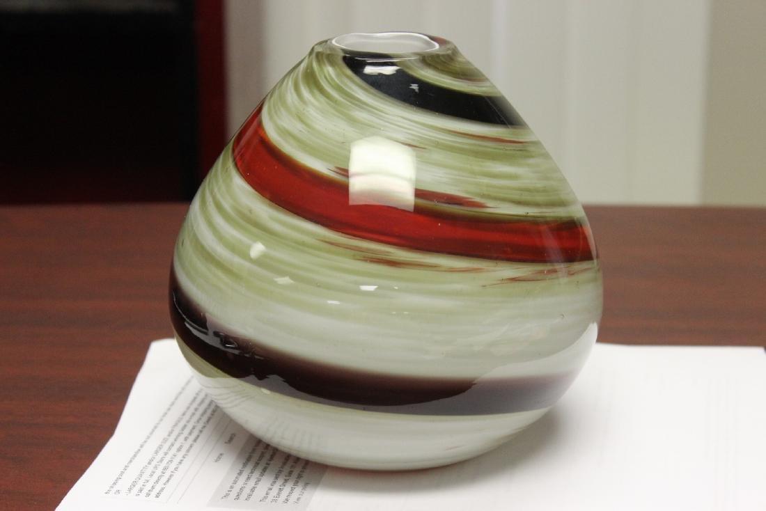 An Art Glass Vase - 3