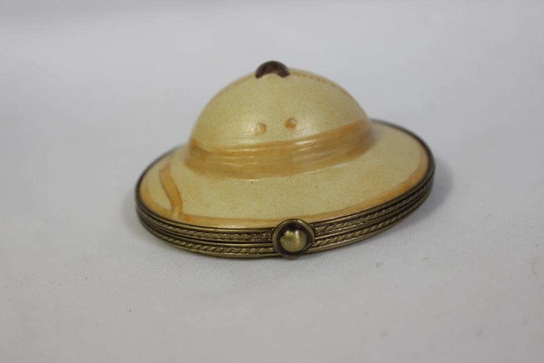 A Peint Main Limoge Trinket Box