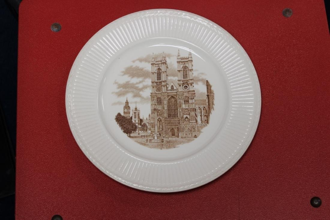 A Wedgewood Old London View Plate