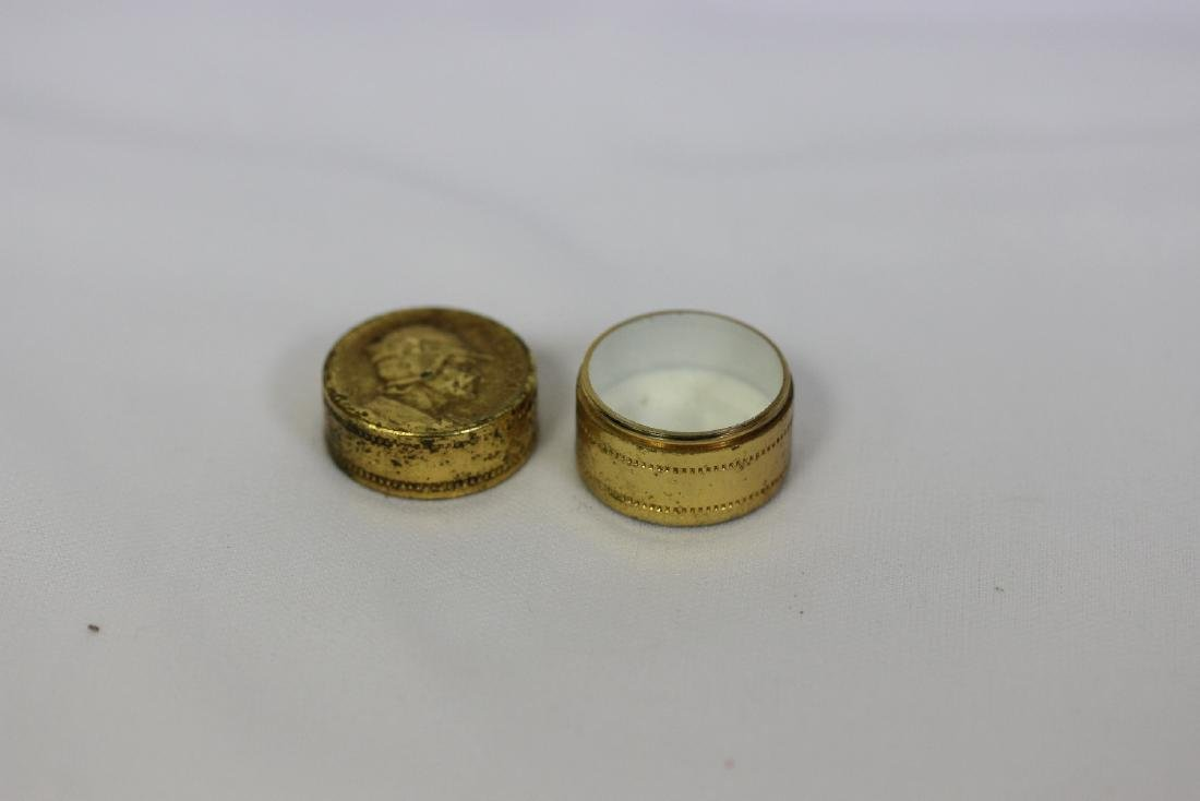 a Small Vintage Trinket Box - 3