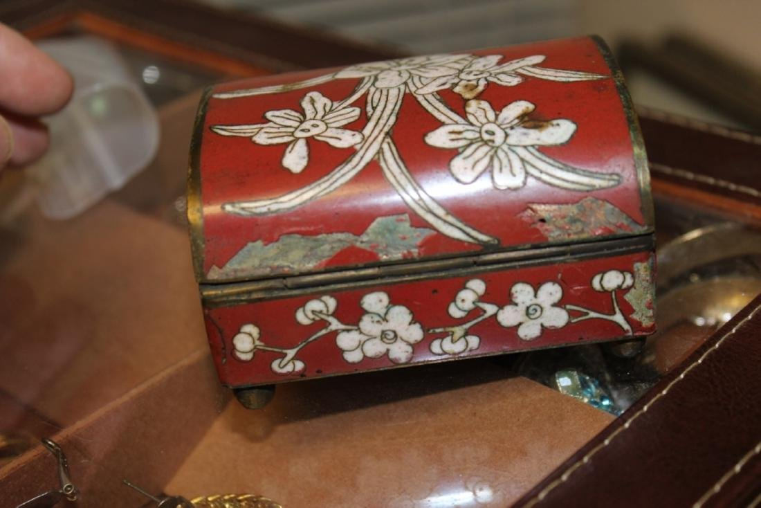 An Antique Chinese Cloisonne Box - 3