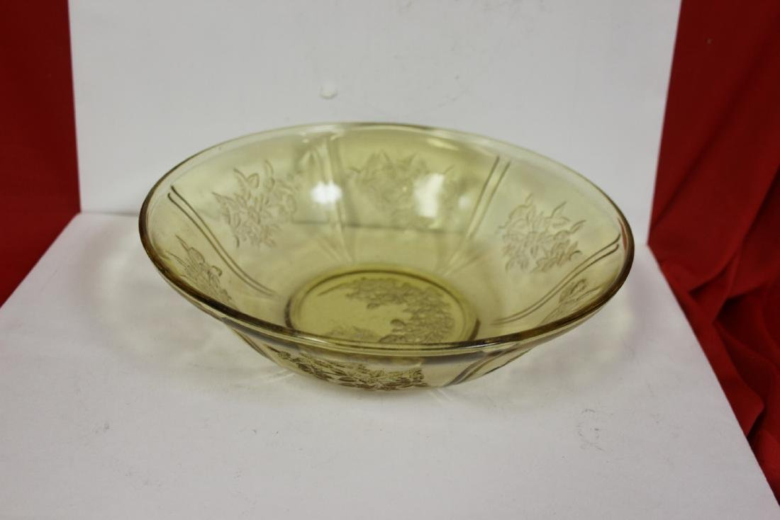 A Cabbage Rose Depression Glass Bowl