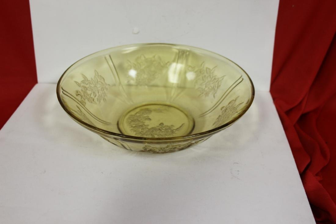 A Cabbage Rose Depression Glass Bowl - 2