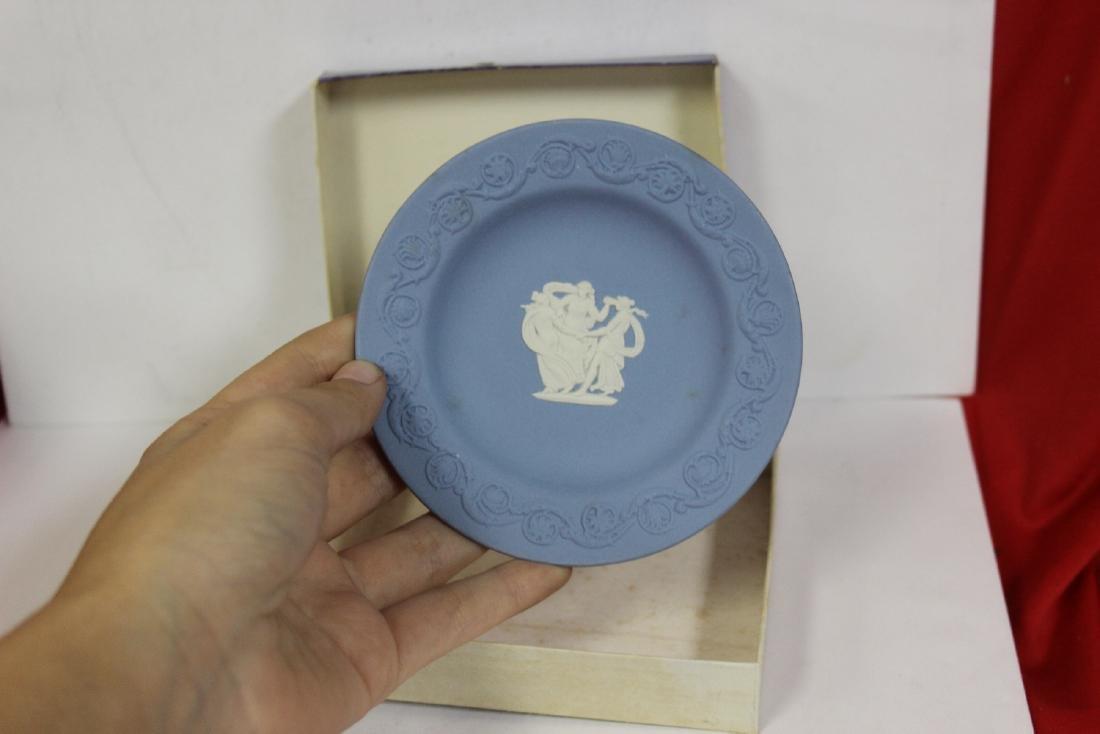A Wedwood Jasperware Round Dish