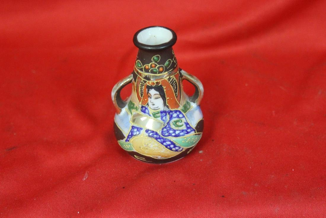 An Early Japanese Two Handle Miniature Vase - 5