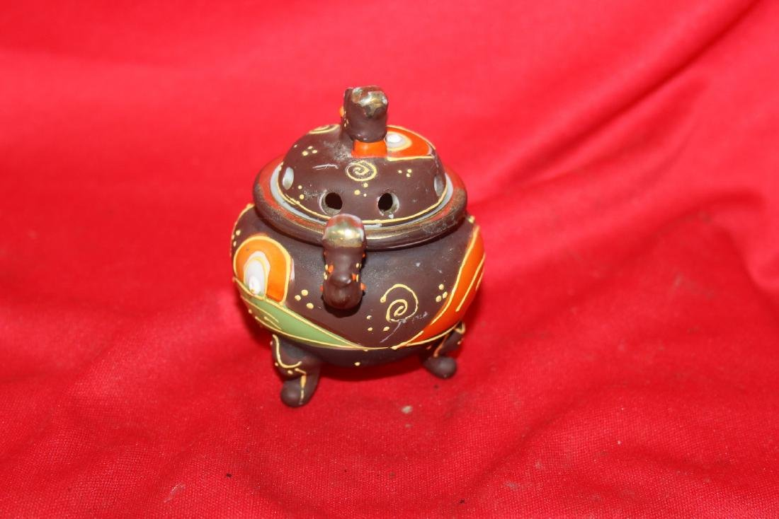 An Early Japanese Two Handle Miniature Censer - 2