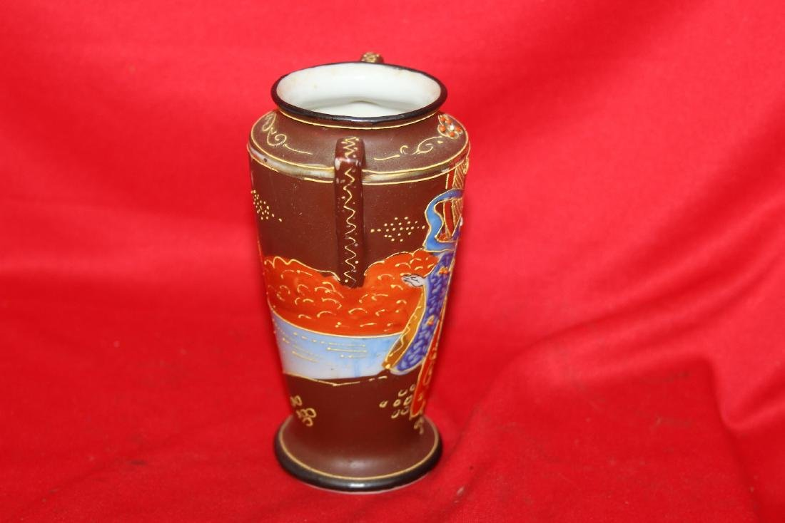 An Early Japanese Two Handle Vase - 2
