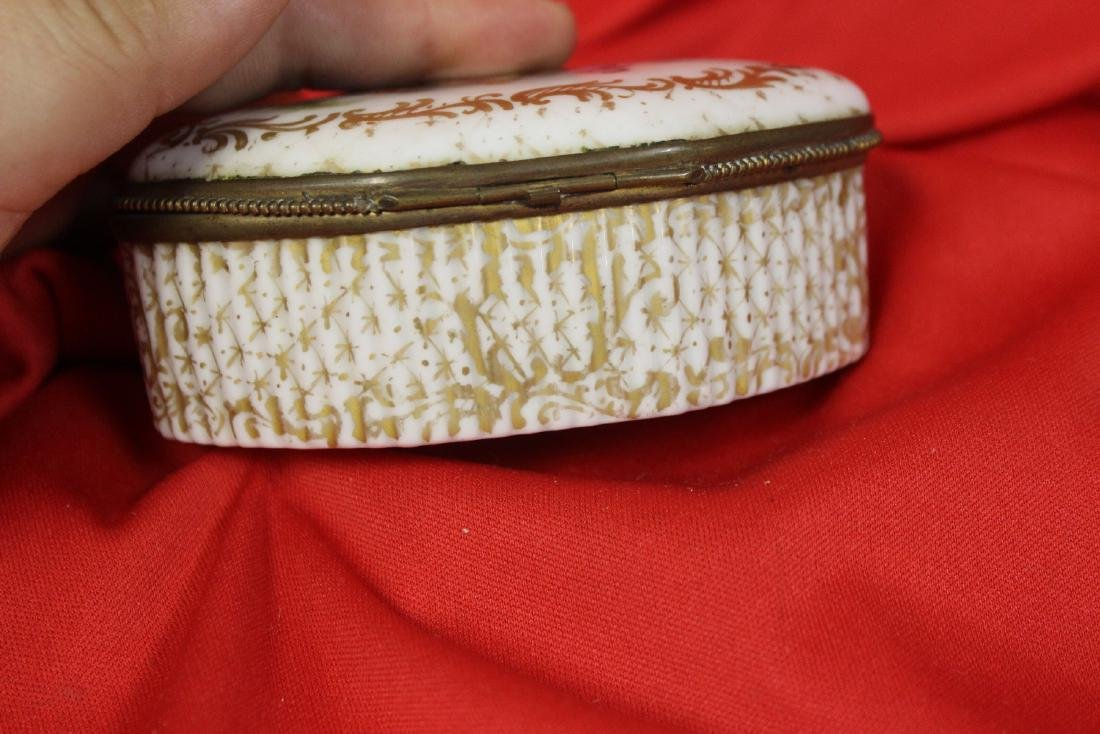 An Antique Meissen Trinket Box - 4