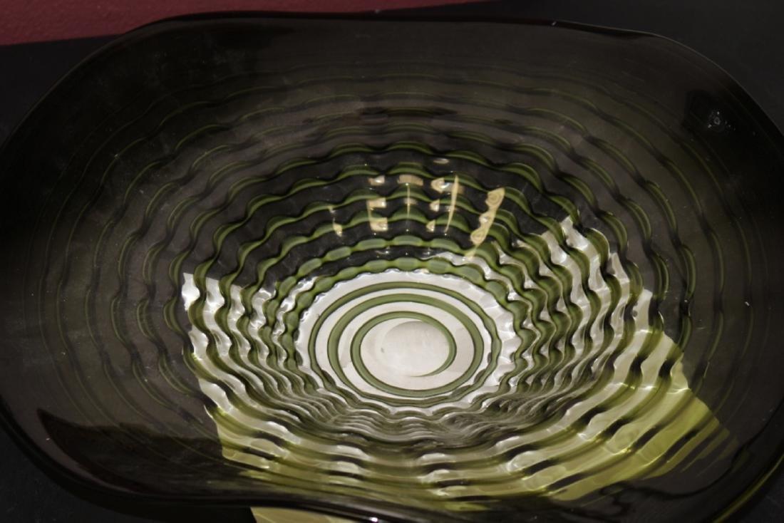An Art Glass Bowl