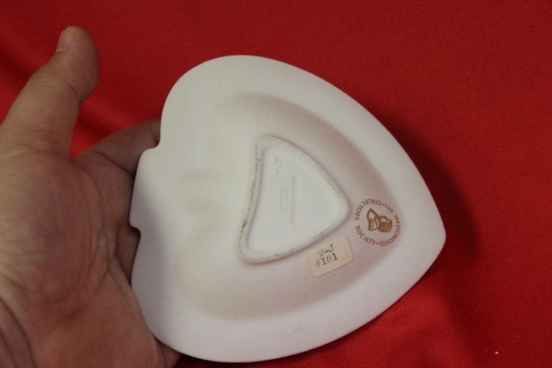 A Wedgwood Jasperware Personal Ashtray - 3