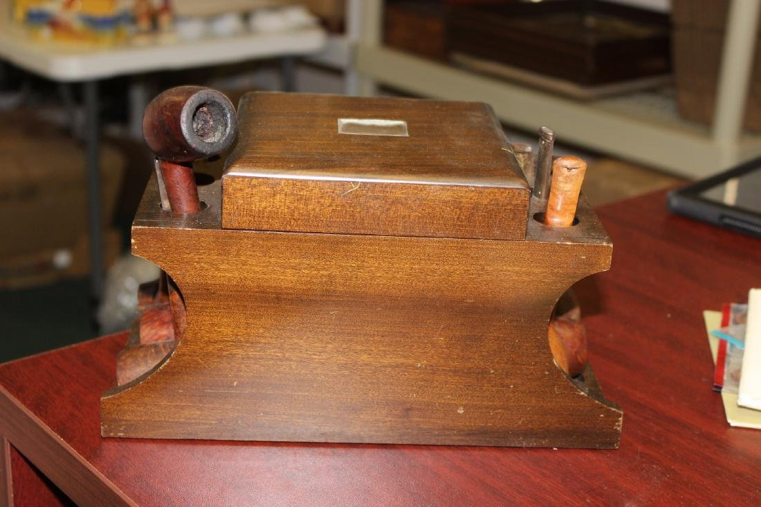 A Wooden Cigar Pipe Holder and Seven Pipes - 2