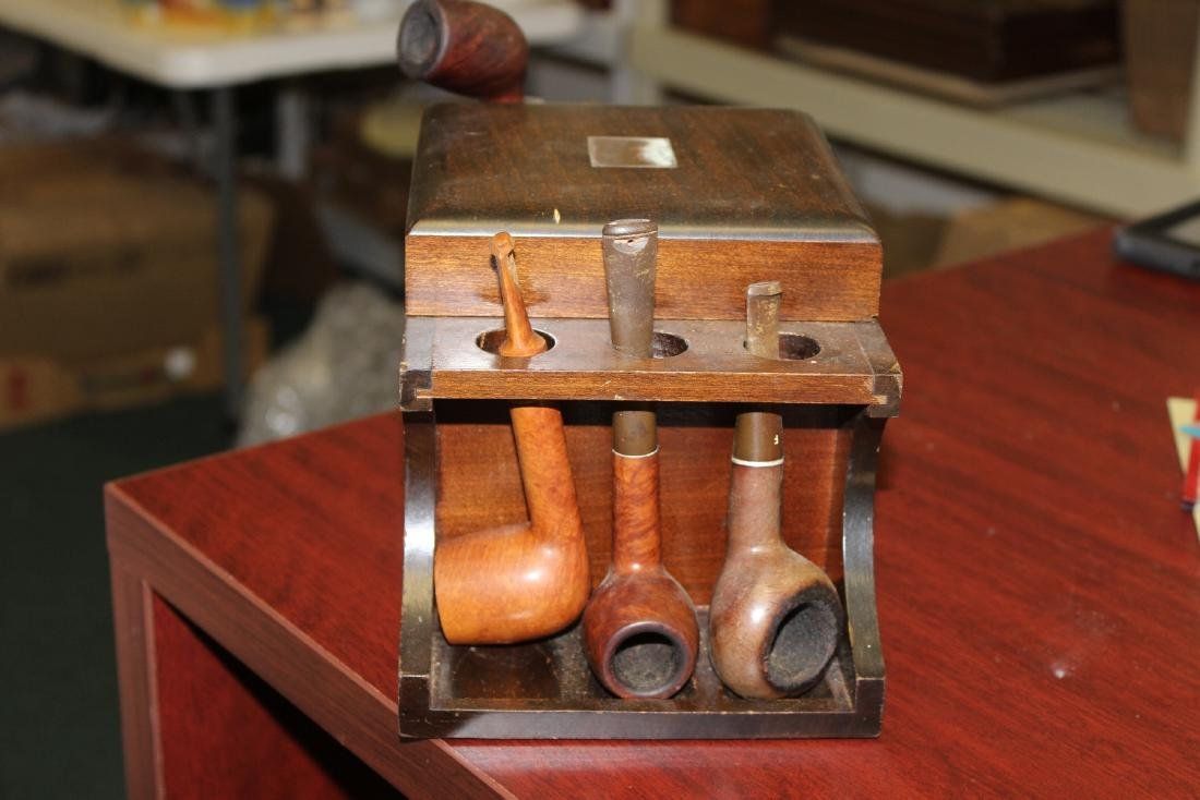 A Wooden Cigar Pipe Holder and Seven Pipes - 3