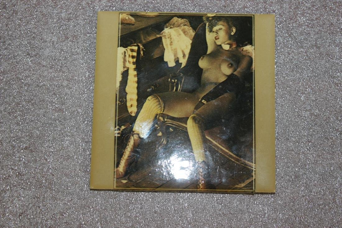 A Nude Tile