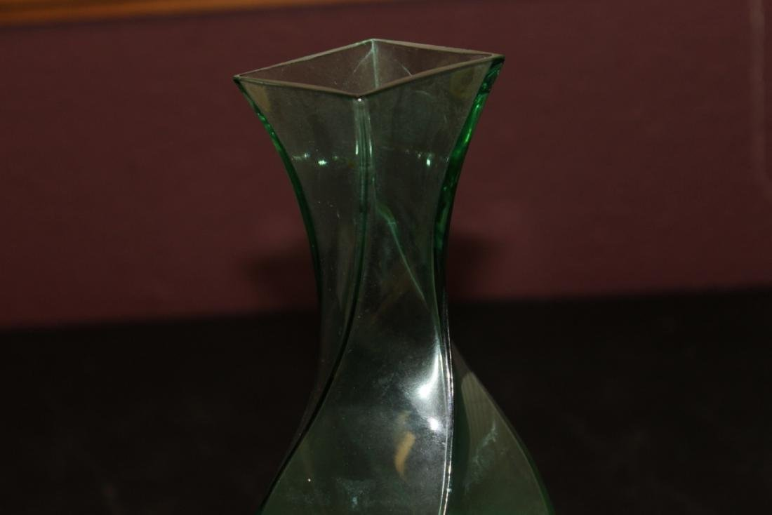 A Green Swill Glass Vase - 3