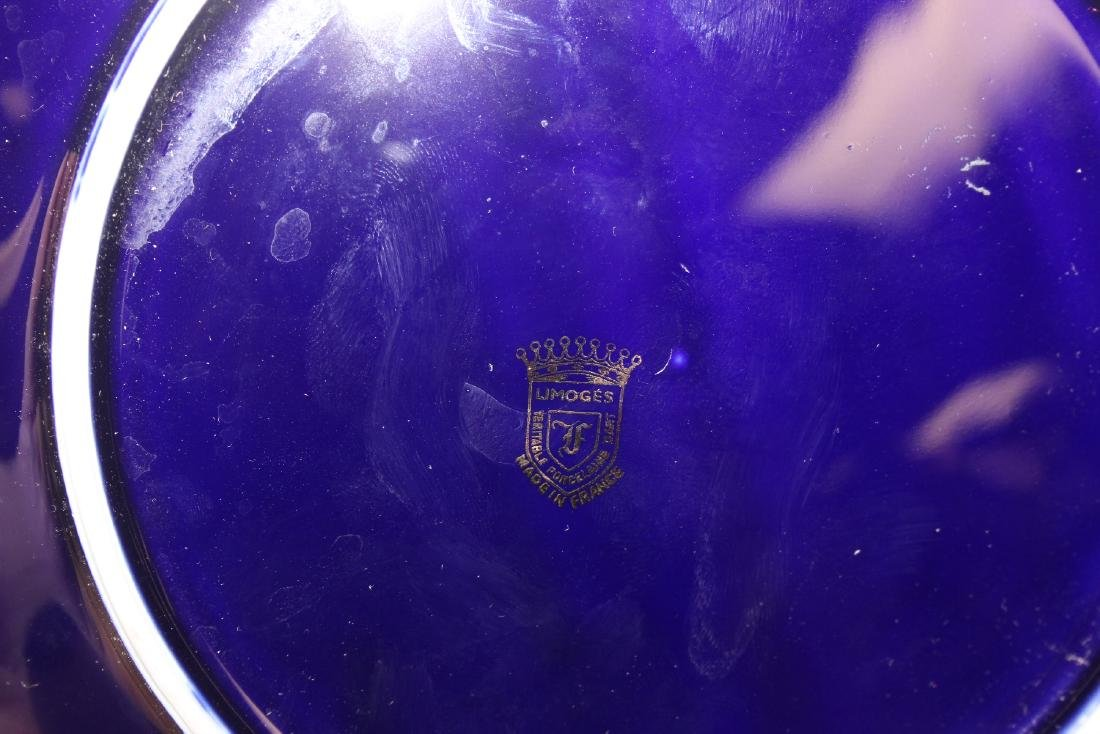 A Limoge Cobalt Blue and Gold Couple Plate - 3