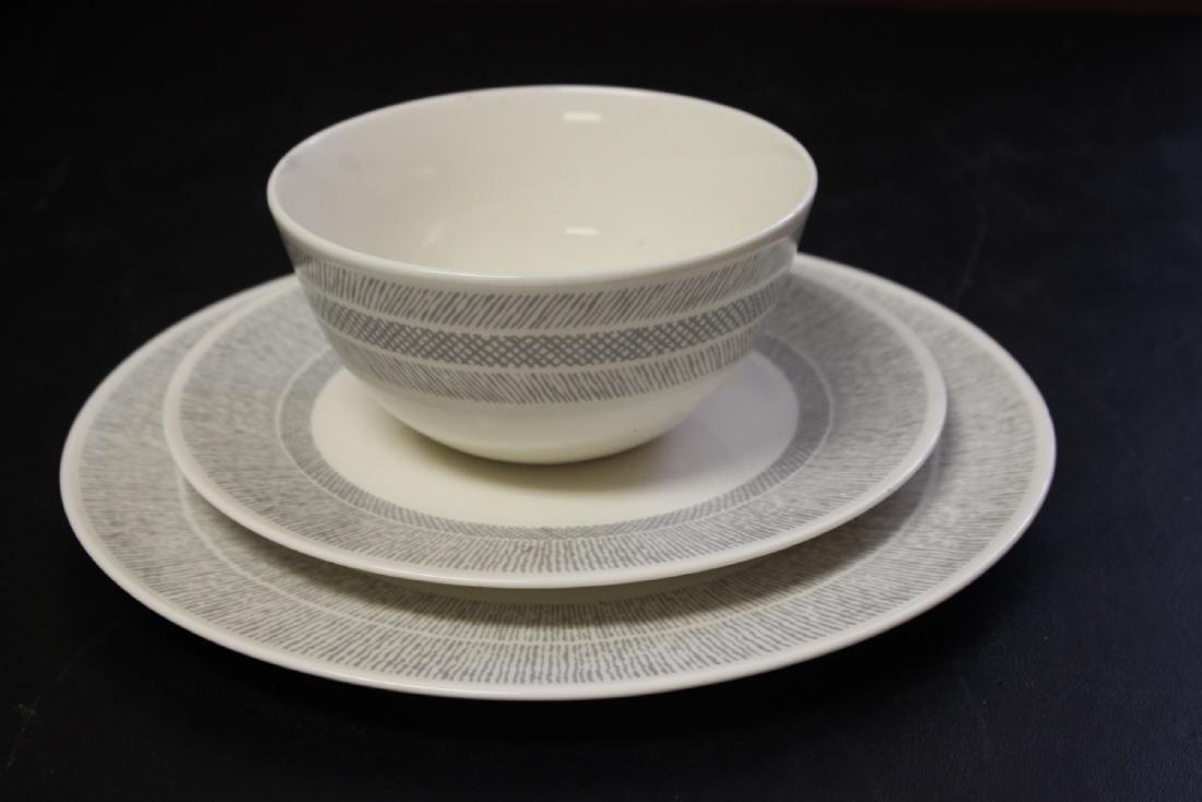 A Vera Wang Wedgwood Plate Set
