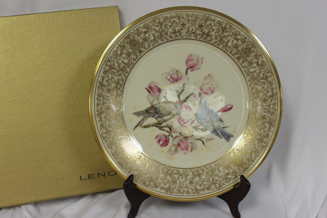 A Lenox Boehm Birds Collector's Plate