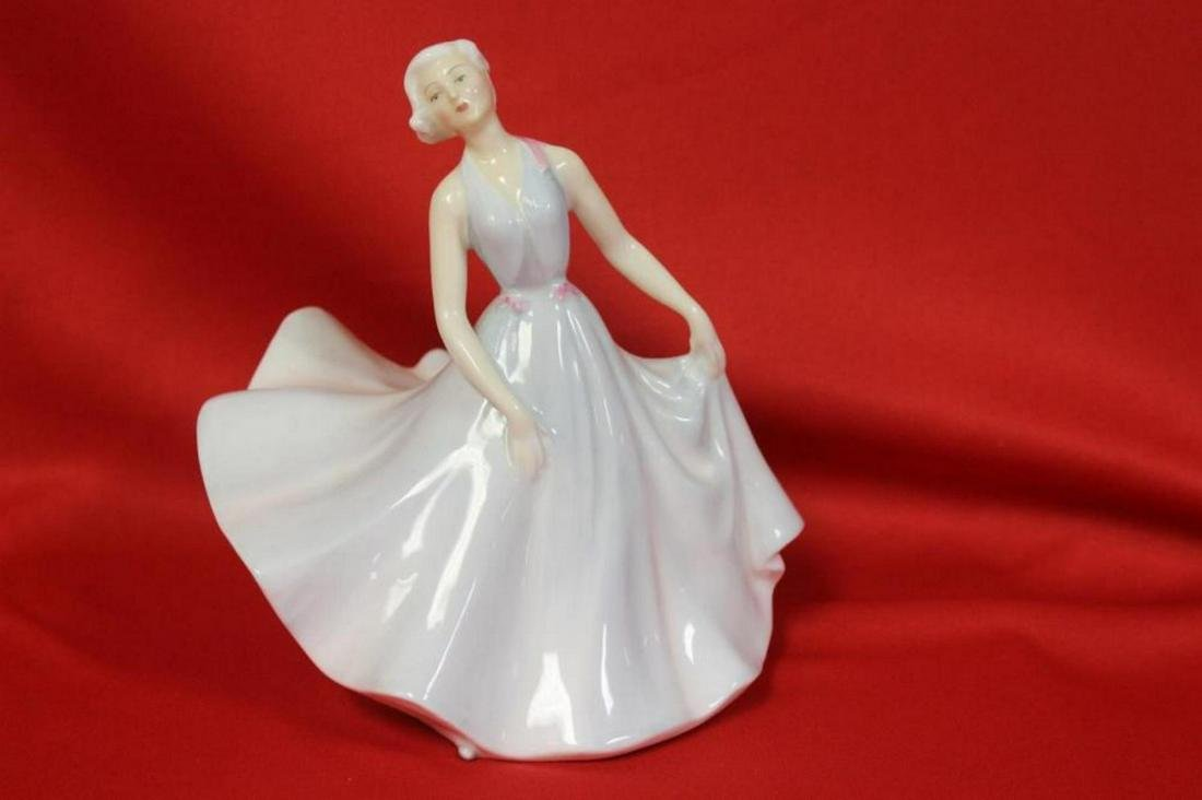 "A Royal Doulton Figurine - ""Pirouette"""