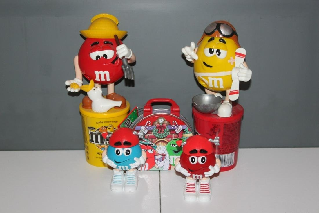 M&M's Collectable Candy Dispenser - Yellow Pilot and