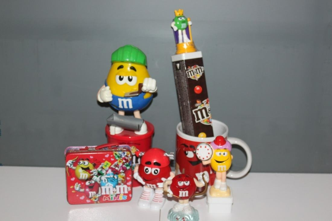Large Lot of Assorted M&M Candy Collectibles - Yellow,