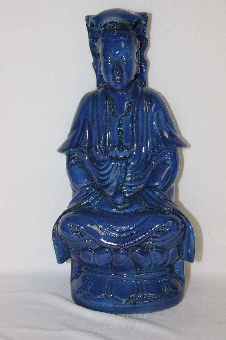 A Chinese Cobalt Blue Vintage Porcelain Kwan Yin