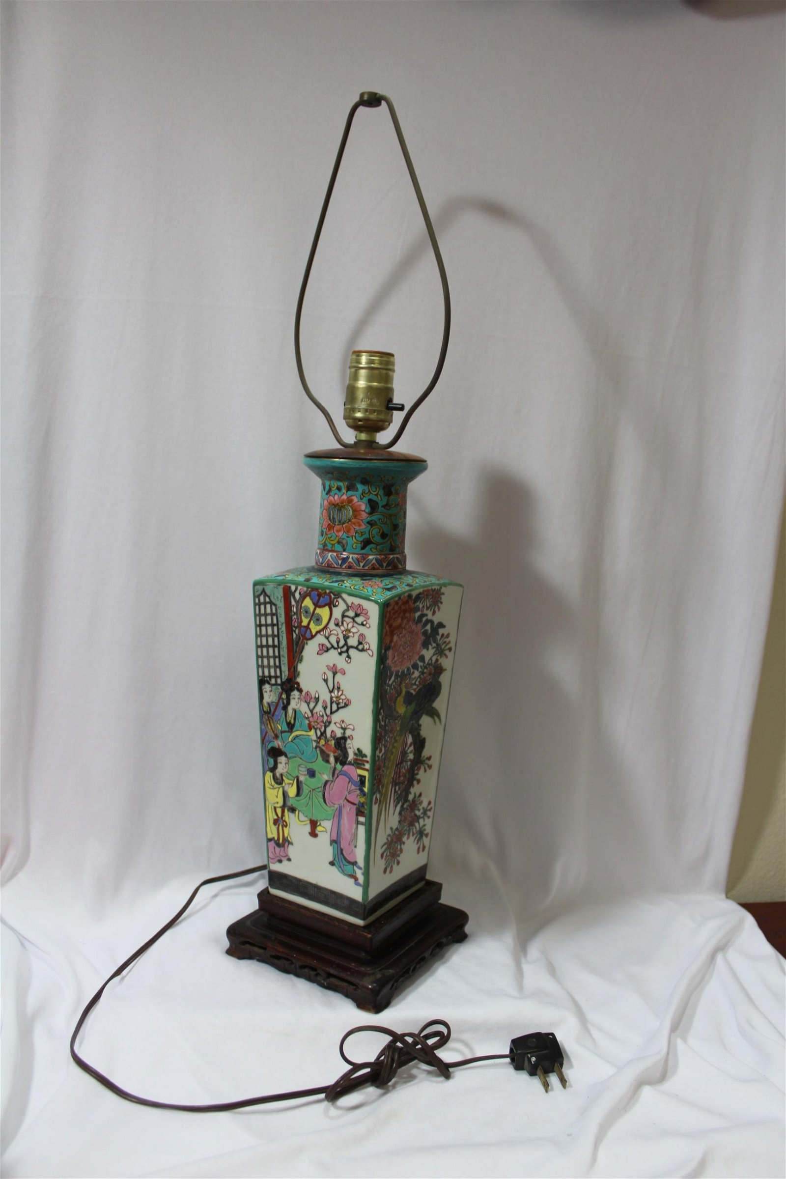 An Antique Chinese Famille Verte Vase
