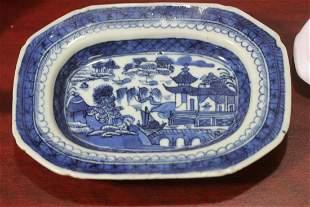 A chinese Export Canton Rectangular Bowl