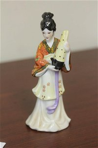 A Ceramic Oriental Lady