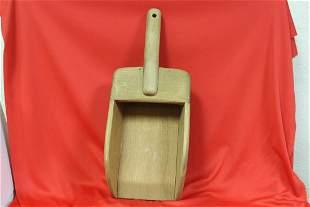 A Wolfcreek Folk Art Flour Carrier