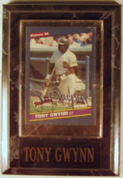 1013: Tony Gwynn: sgnd card plaque - Appraised at $85.0