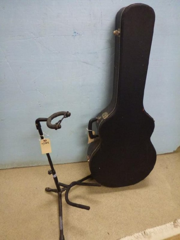 YAMAHA GUITAR APX-GNA W/ STAND