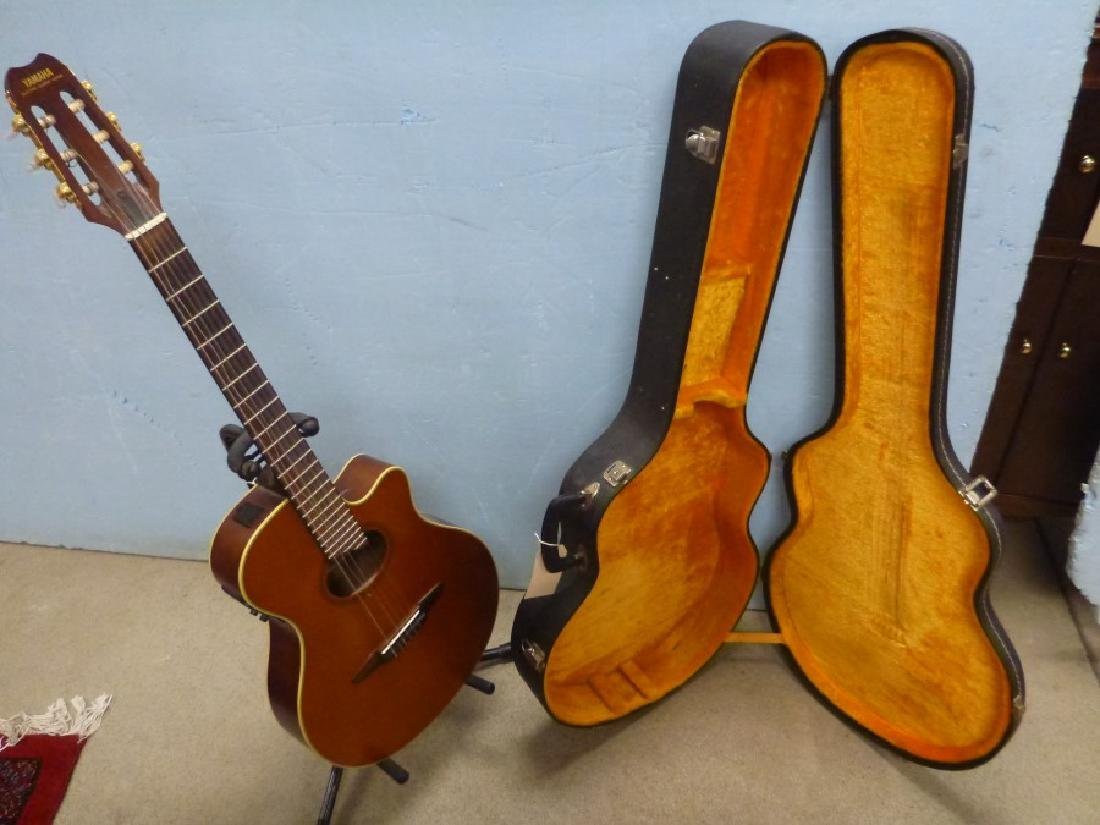 YAMAHA GUITAR APX-GNA W/ STAND - 2