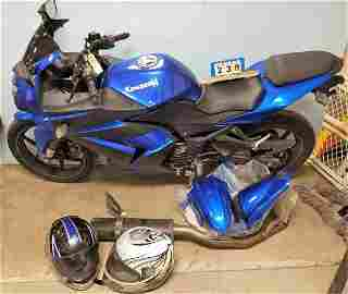 KAWASAKI 250 NINJA MOTORCYCLE, 14,895 MILES, W/ 2