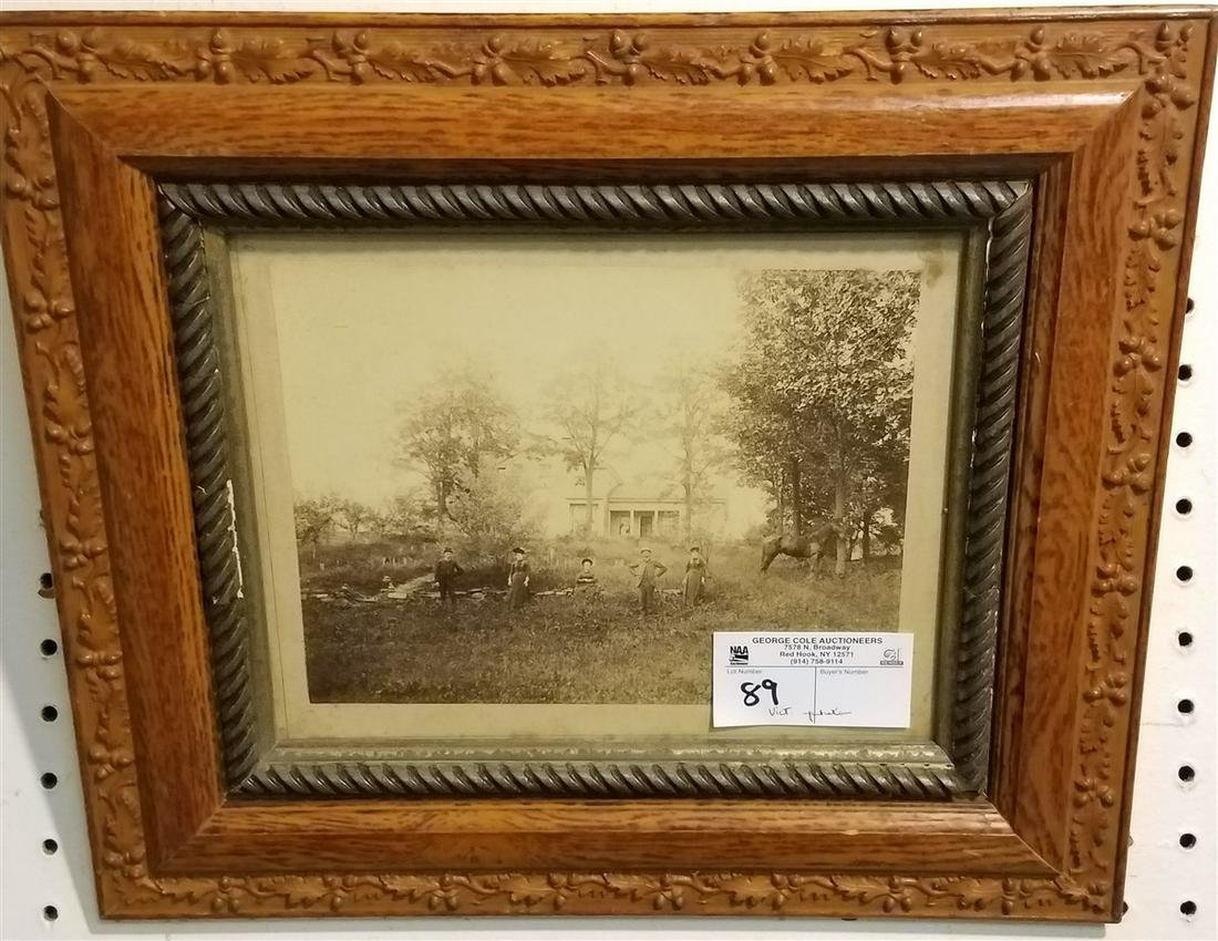 "VICT. OAK FRAMED PHOTO 7.5"" X 9.5"""