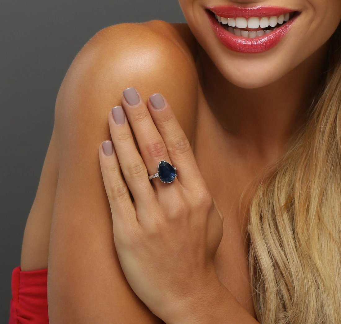 14KT White Gold 10.13ct Sapphire and Diamond Ring