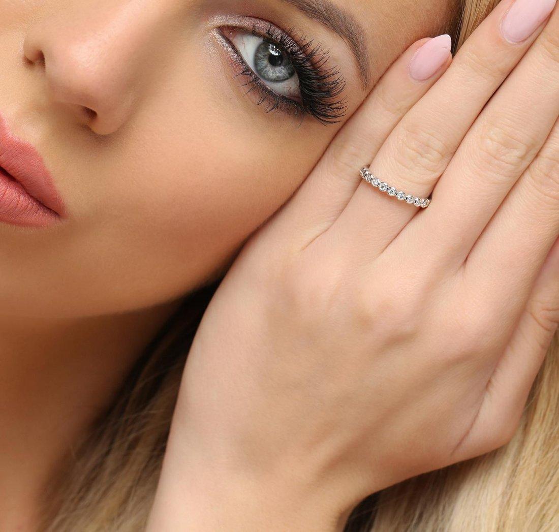 14KT White Gold 0.10ctw Diamond Ring