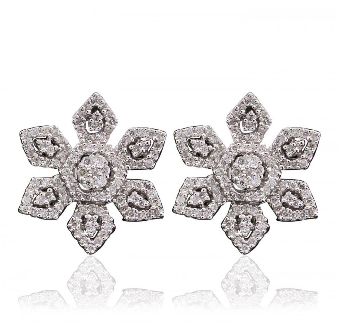 18KT White Gold 0.72 ctw Diamond Earrings