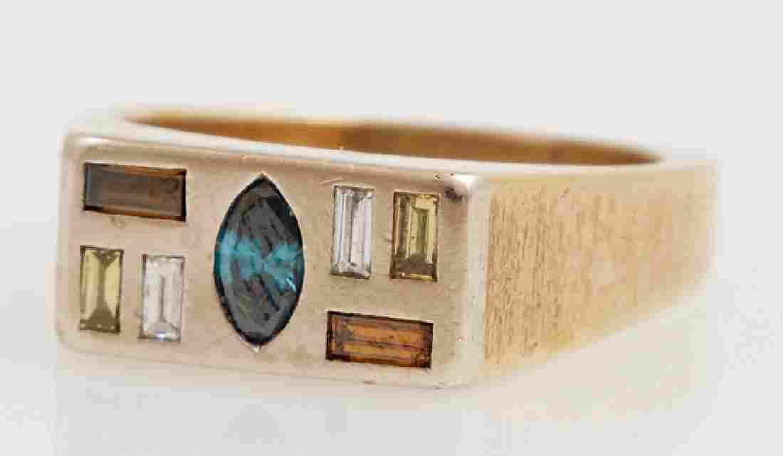 Man's 18K Yellow Gold Dinner Ring, the rectangular top