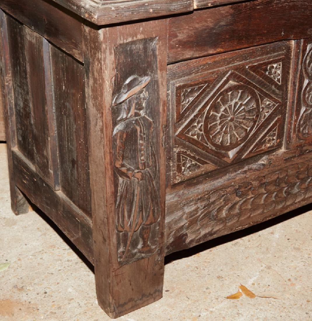 French Carved Walnut Hall Bench, 19th c., Brittany, the - 4