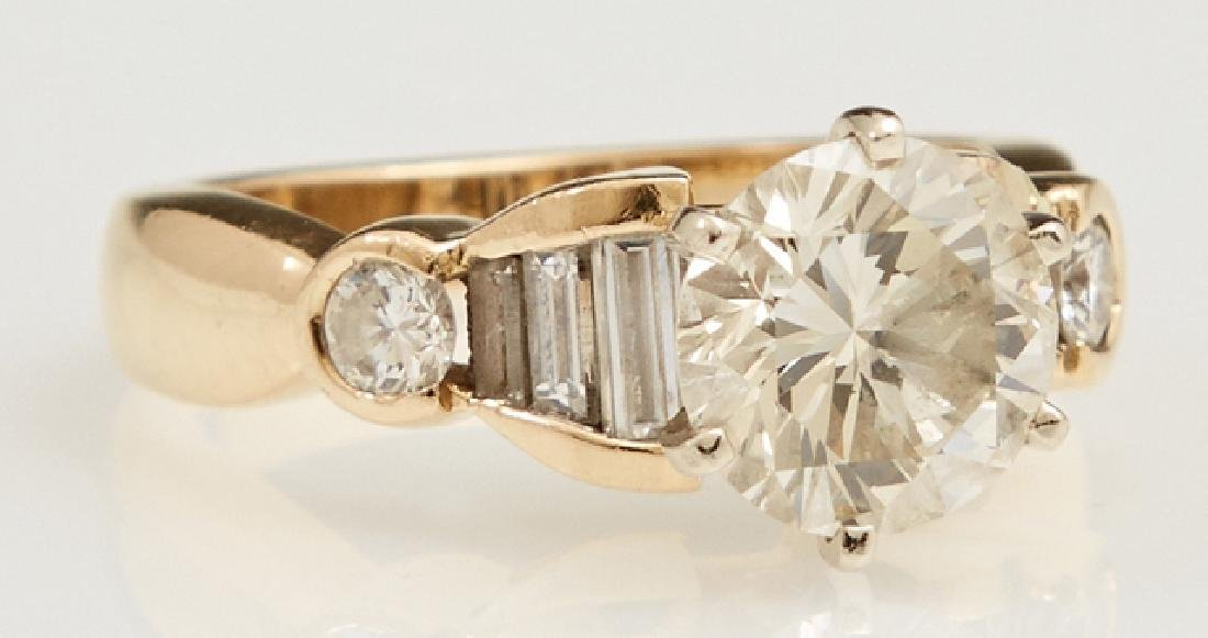18K Yellow Gold Diamond Engagement Ring, with a round